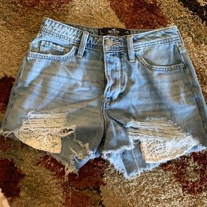 """Hollister High-Rise Mom Short 3"""" Size 1/W25"""